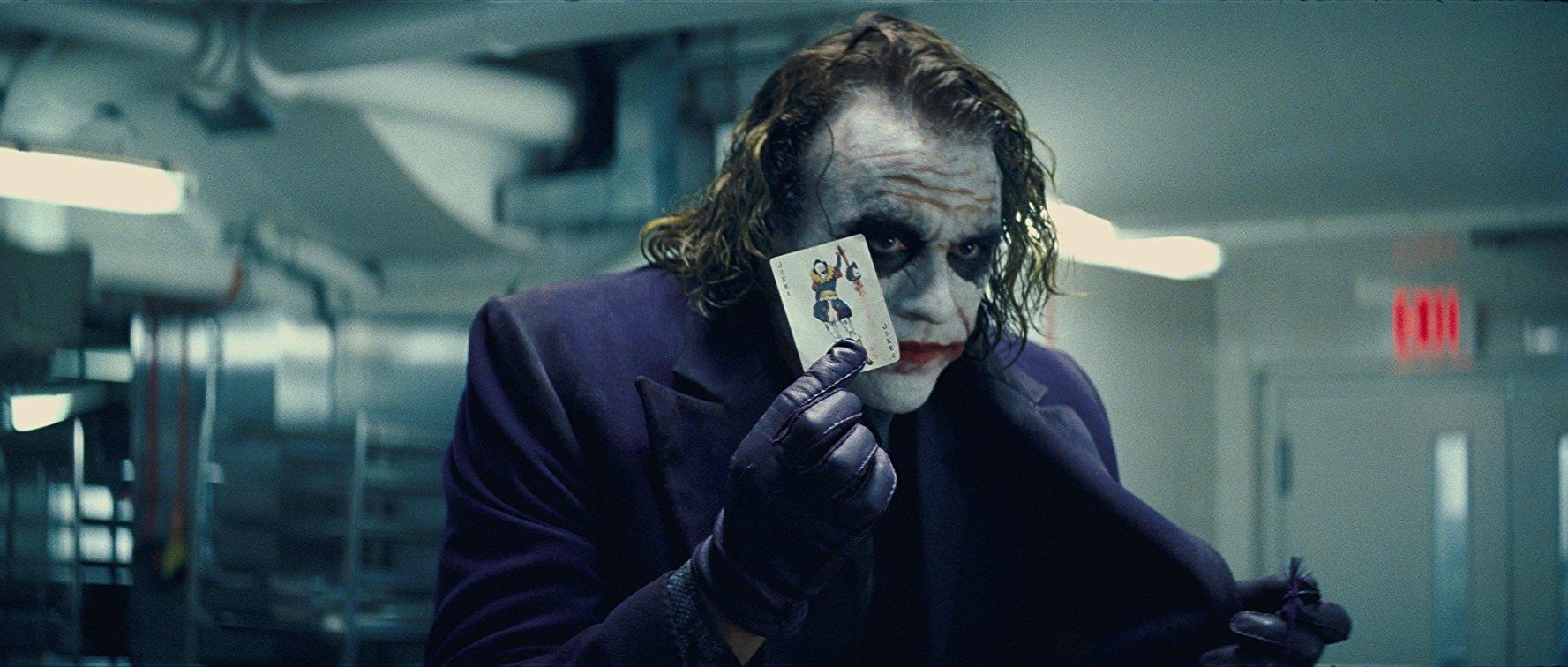 The Dark Knight : 10 ans après, que reste-t-il des super-héros ?