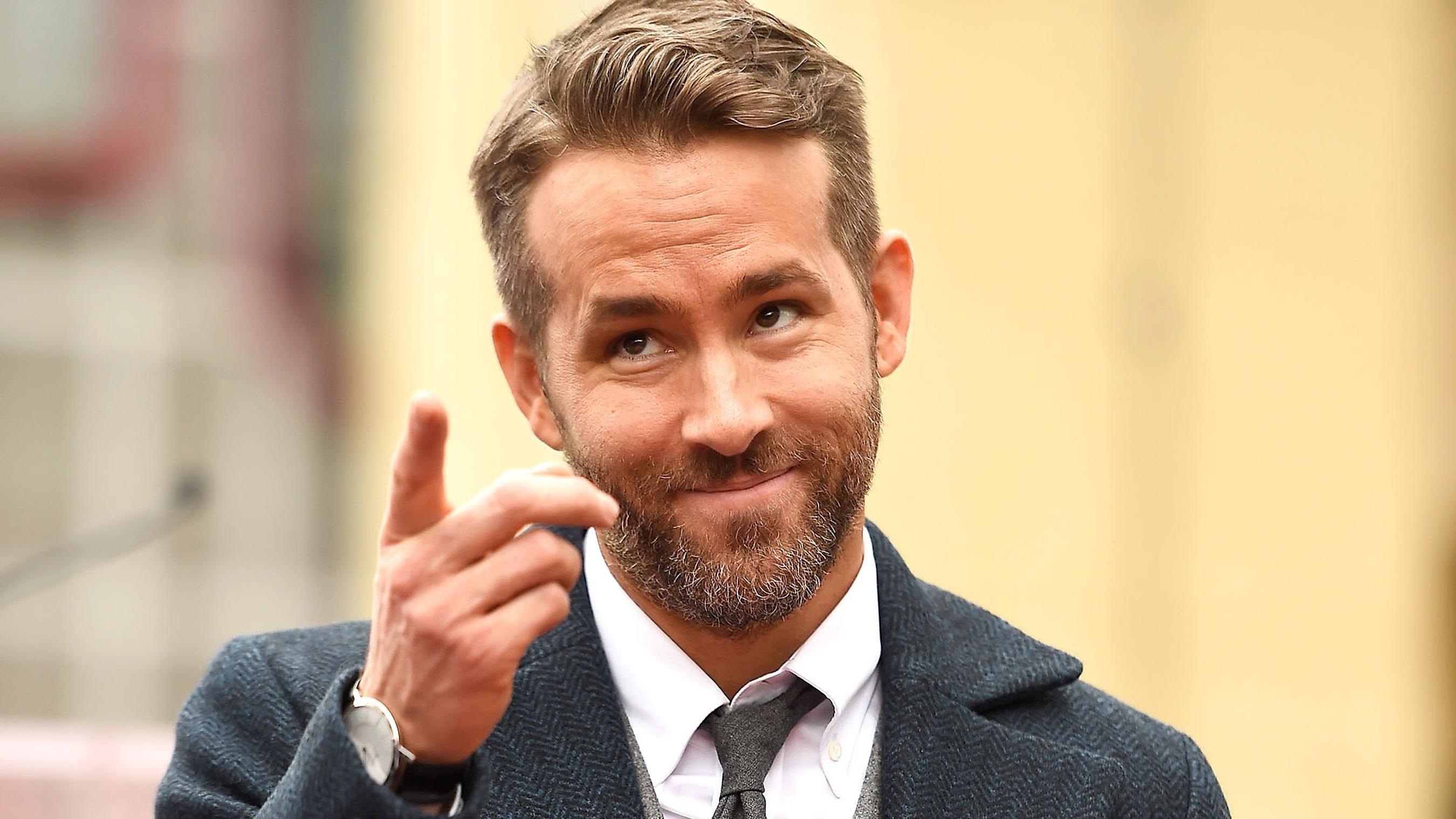 In Pure Deadpool Fashion, Watch Ryan Reynolds Ruin an X-Men Reunion