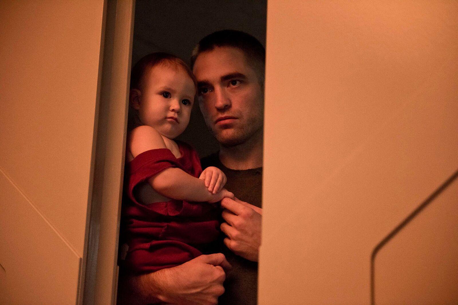 """Pour la sortie de """"Tenet"""", retour sur les cinq meilleurs films de Robert Pattinson, de """"Cosmopolis"""" à """"High Life""""."""