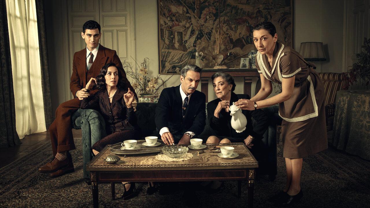 Quelqu'un doit mourir sur Netflix : c'est quoi cette série avec Ester Expósito ?