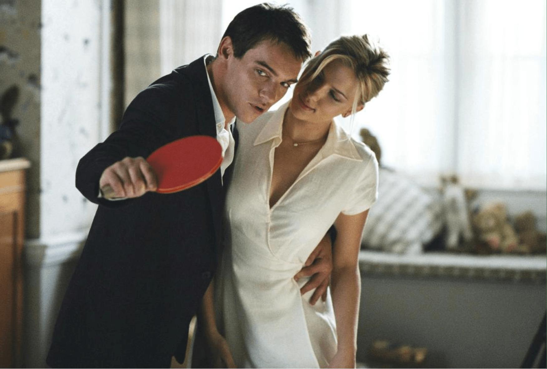 """Scarlett Johansson : retour sur les meilleurs films de la star de """"Black Widow""""."""