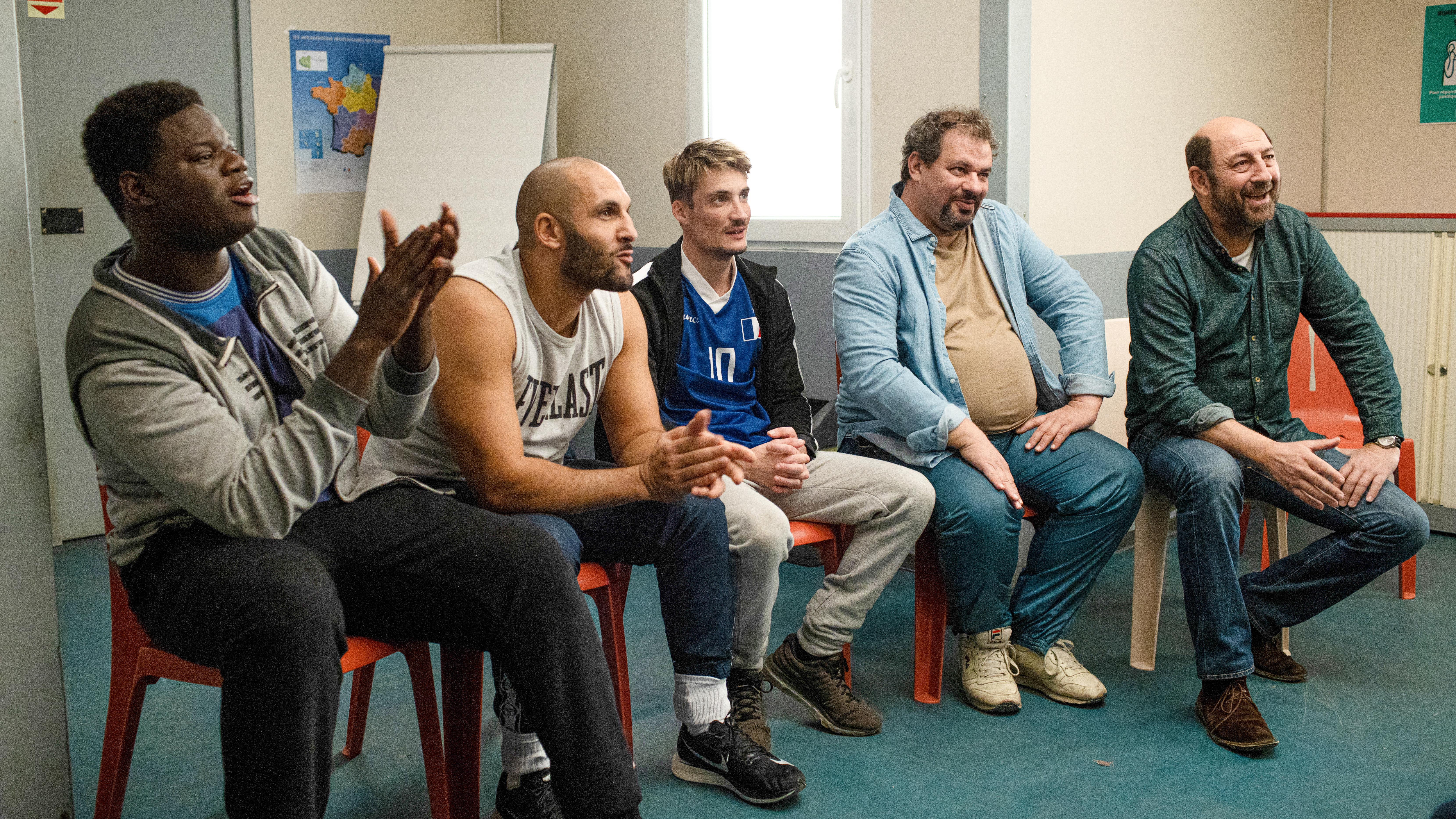 Critique / Avis film Un triomphe: la belle aventure de groupe avec Kad Merad