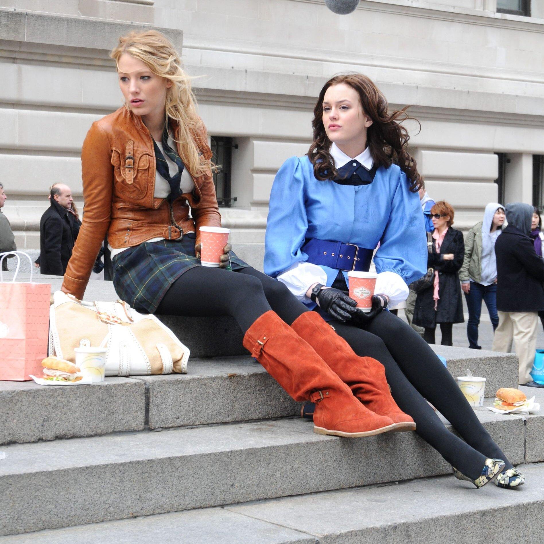 Blake Lively et Leighton Meester dans la série originale Gossip Girl. © Arnaldo Magnani/Getty Images