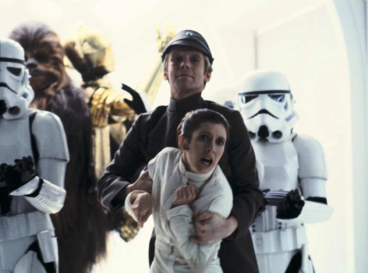 Jeremy Bulloch en Lieutenant Sheckil dans Star Wars, épisode 5 : L'Empire contre-attaque