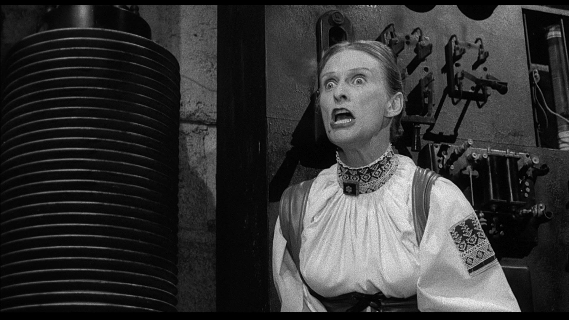 Frau Blücher (Cloris Leachman) - Frankenstein Jr