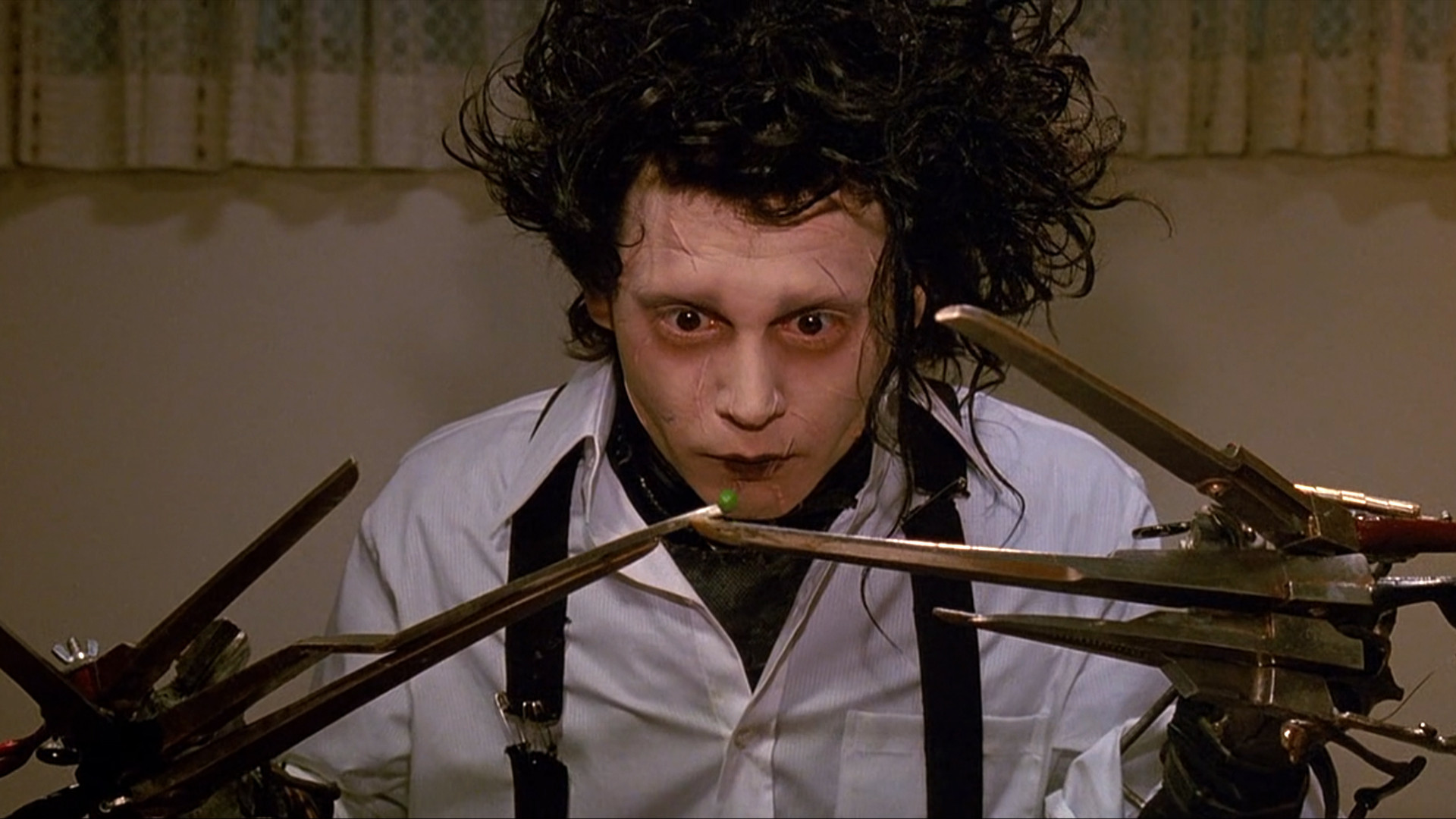 Edward (Johnny Depp) - Edward aux mains d'argent