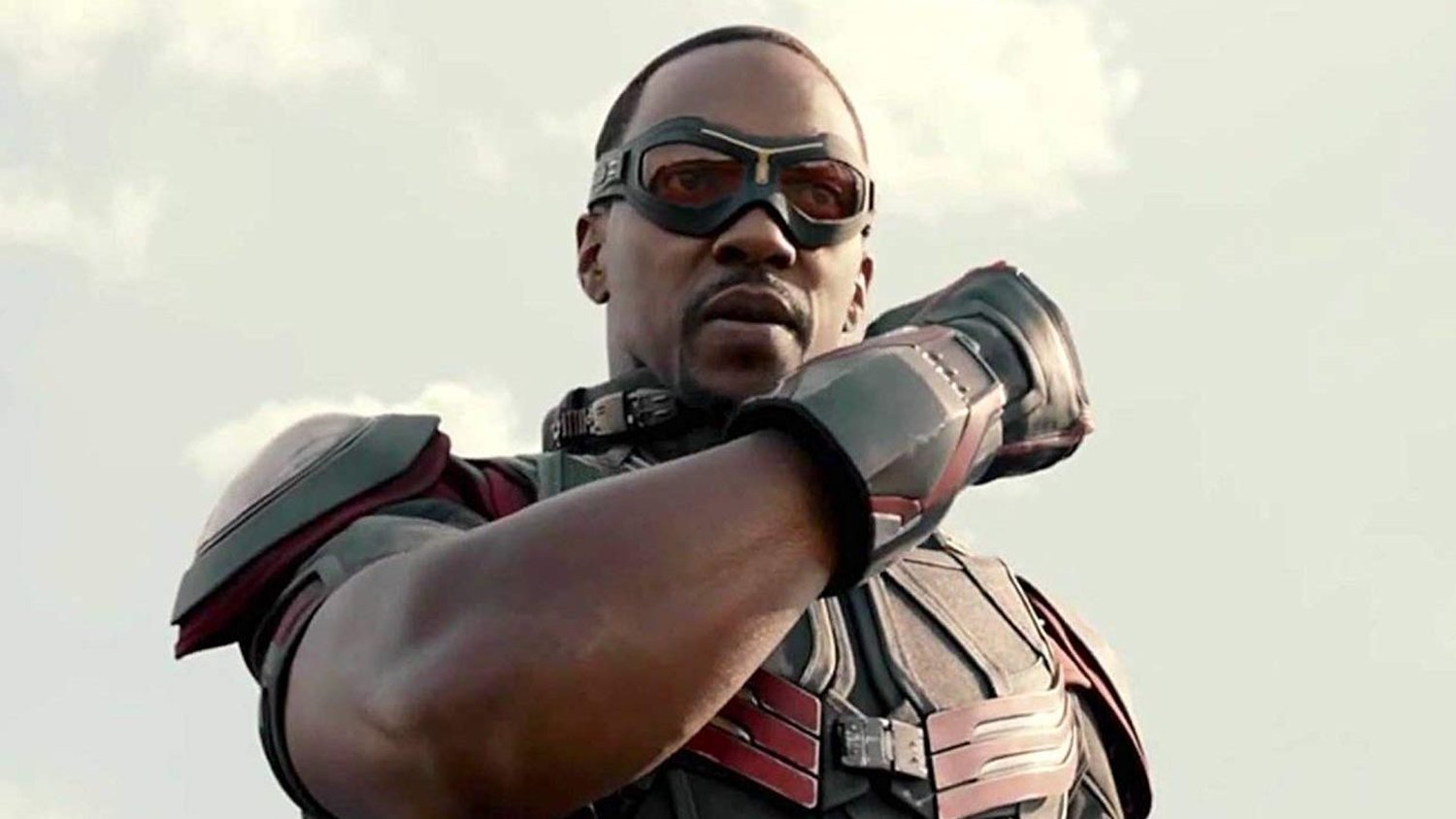 Sam Wilson (Anthony Mackie) - Ant-Man