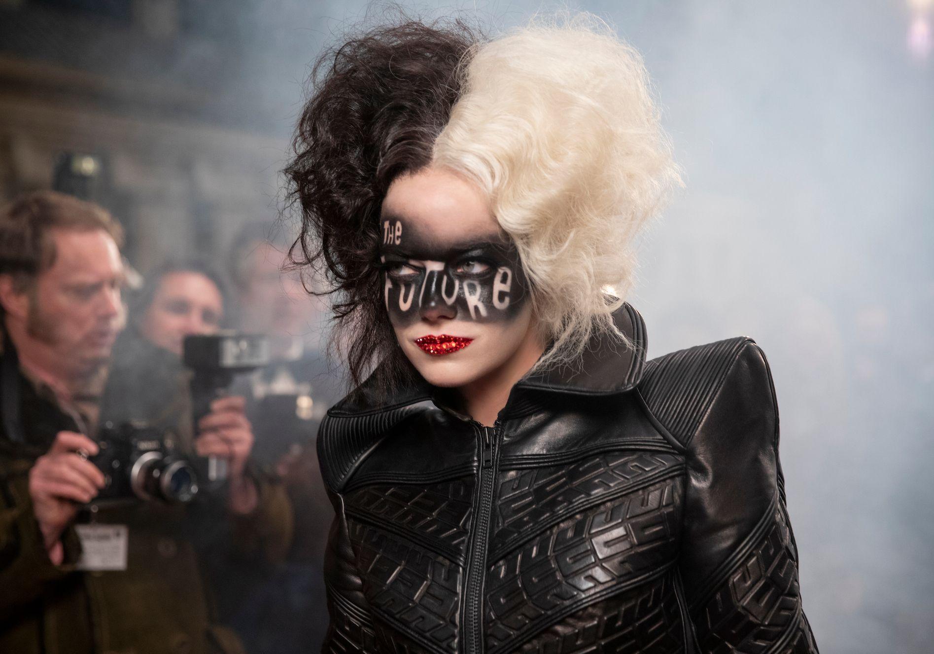 Cruella (Emma Stone) - Cruella