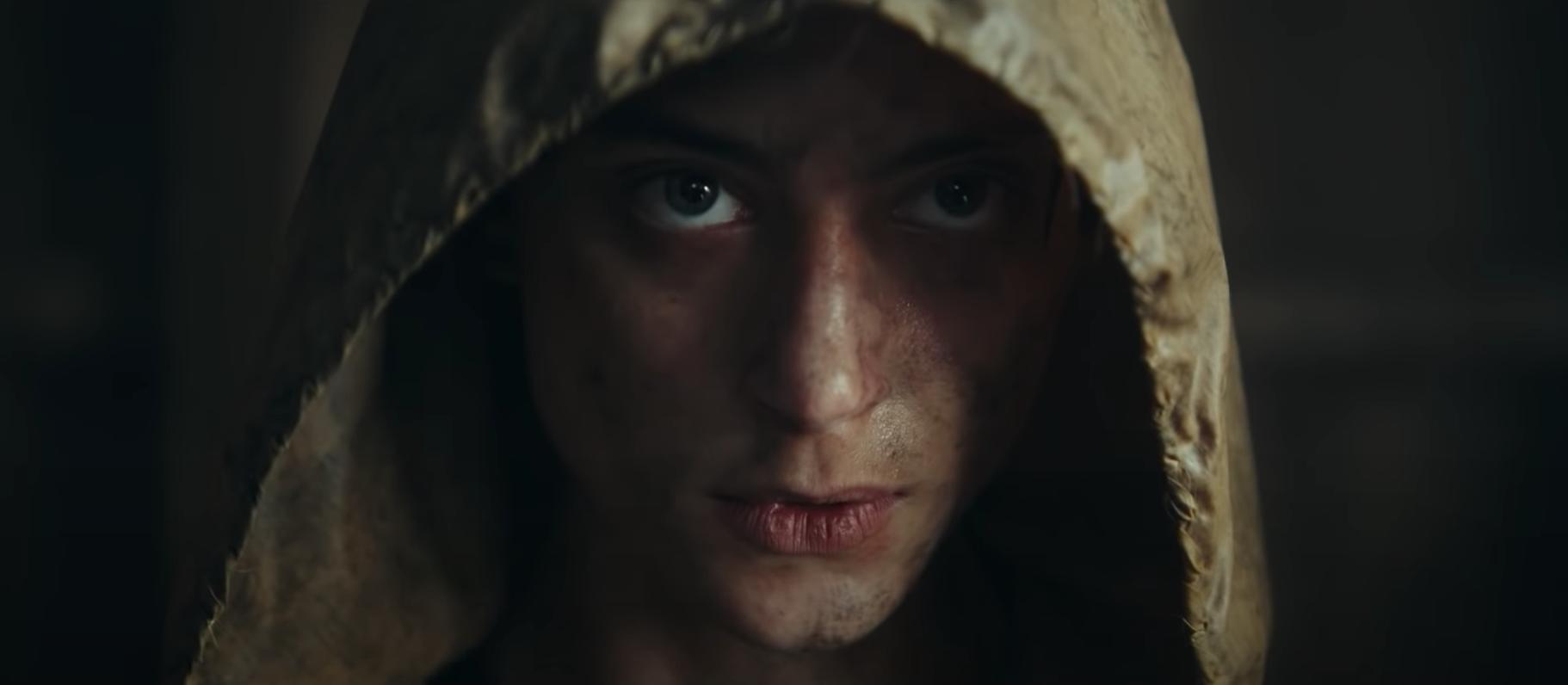 Blake (Nora Arnezeder) - The Colony