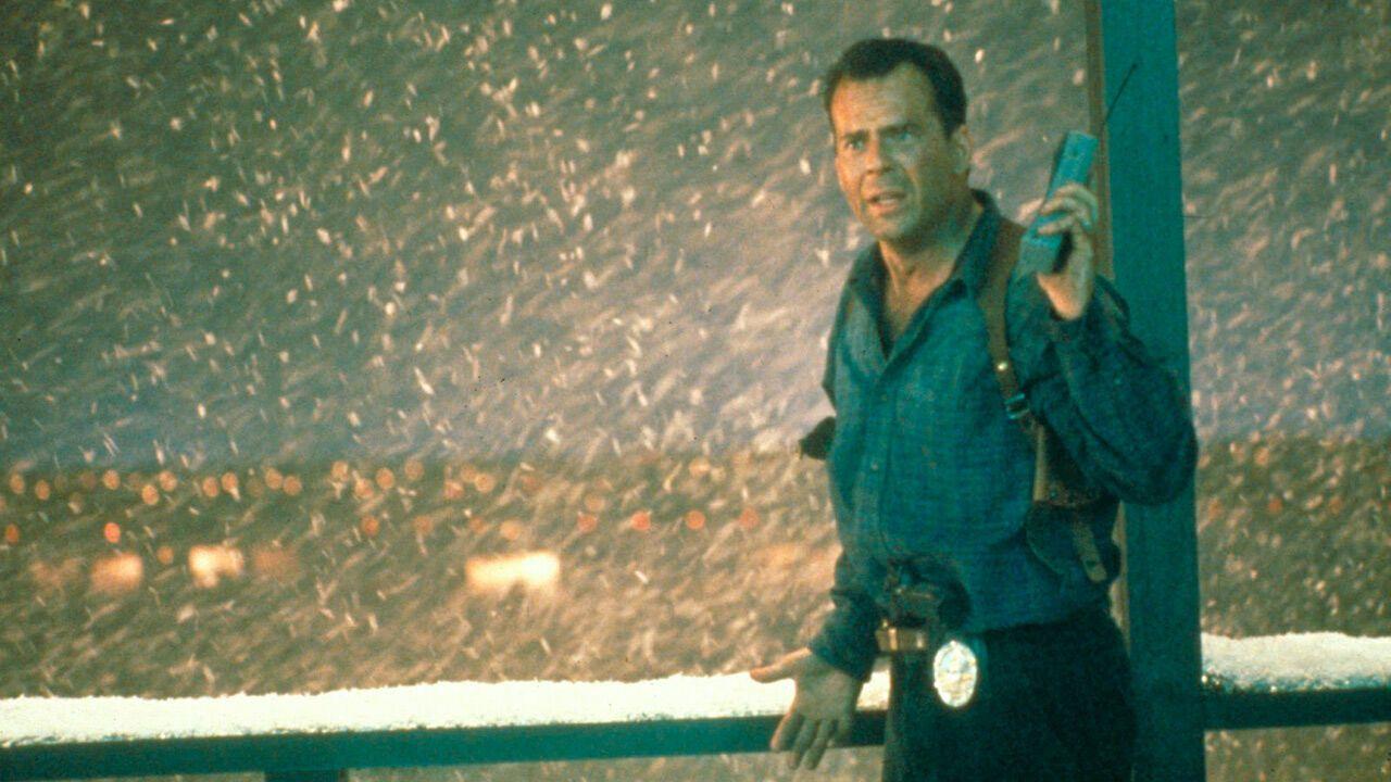 John McLane (Bruce Willis) - Die Hard 2 : 58 minutes pour vivre